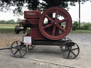 Hendricks Estate - Antiques, Tractors, Gas Engines