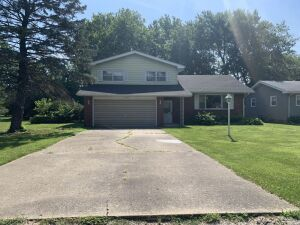 3 BR Real Estate And Personal Property Auction-Springfield, IL