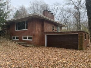 East Lake Drive Real Estate Auction - Springfield, IL