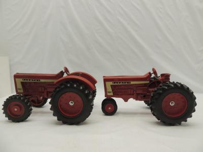 1/16th Scale Models Farmtoy (2)-806 tractors