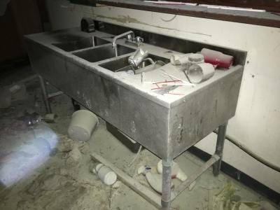 Stainless 3 Tub Sink With Fixture