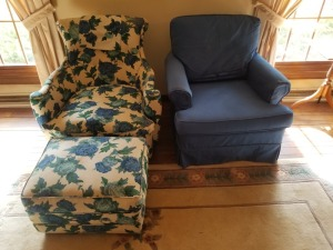 (2) Chairs Floral/Blue Lot