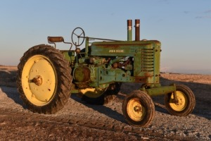 John Deere Styled A with Wide Front