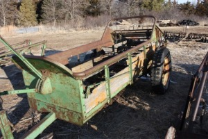 model L manure spreader
