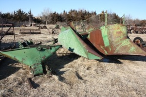 John Deere 227 2 row mounted corn picker