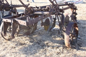 3 bottom John Deere 55 plow