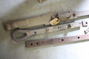 draw bar parts including 2 tear drop drawbars