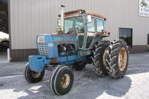 Ford 9600 with Cab and Duals