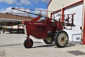 International 770 Sprayer