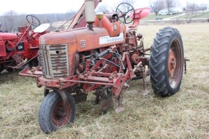 Farmall 350 LP with mounted cultivator
