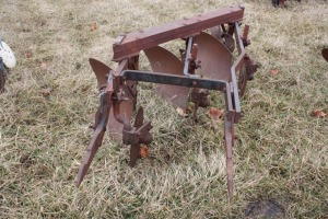 No. 311 big point Fast Hitch 3-16 plow