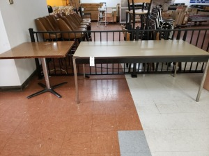 (2) Tables Lot