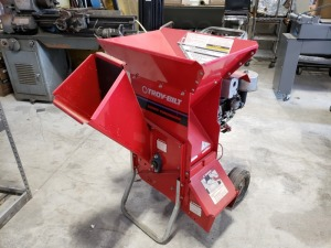 Troy Built Super Tomahawk Chipper 8 HP