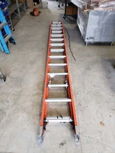 (1) Extra Heavy Duty Keller Pro Extension Ladder