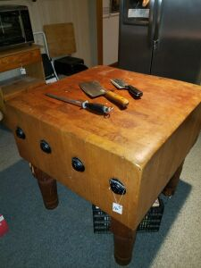 Butchers Block With Knives