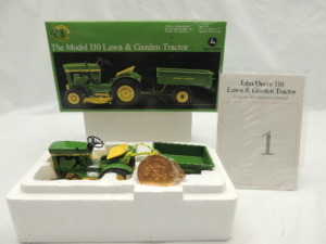 1/16th Ertl John Deere 110 lawn & garden set