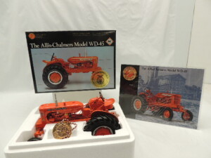 1/16th Ertl Allis-Chalmers WD-45