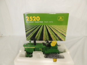 1/16th Ertl John Deere 2520 Hi-Crop Diesel