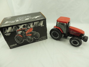 1/16th Ertl Case IH MX120 Maxxum