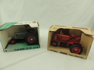 1/16th Ertl/Scale Models Case (2)-narrow front tractors w/fenders