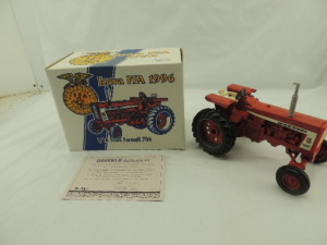 1/16th Ertl Farmall 706 Diesel