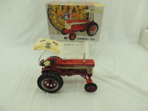 1/16th RC2 Farmall 560