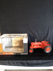 Allis-Chalmers 1/8th scale WD45 Scale Models Toy Tractor