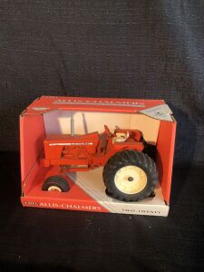 Allis-Chalmers 1/16th Two-Twenty Ertl Toy Tractor