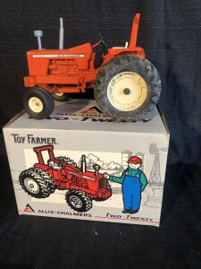 Allis-Chalmers Two-Twenty 1/16th Toy Farmer Toy Tractor