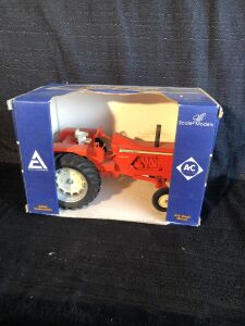 Allis-Chalmers 1/16th One-Ninety Scale Models Toy Tractor