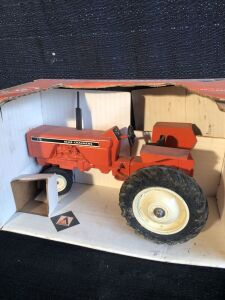 Allis-Chalmers 175 1/16th Scale Models Toy Tractor