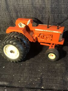 Allis-Chalmers 1/16th D21 with Duals Ertl Toy Tractor
