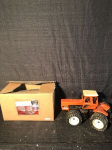 Allis-Chalmers 1/16th 7580 Toy Tractor