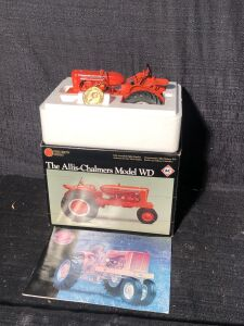 Allis-Chalmers Model WD Precision Series 1/16 Scale Ertl Toy Tractor