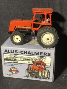 Allis-Chalmers 1/16th 8070 Series 2 1992 Commemorative Edition Ertl Toy Tractor with duals