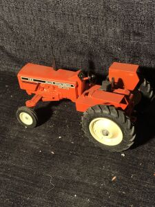 Allis-Chalmers 1/16th 185 Toy Tractor