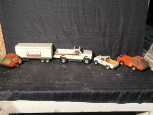 (4) Allis-Chalmers Trucks Lot