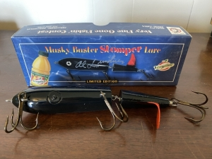 Musky Buster Stomper Lure