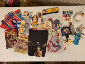 Wonder Woman Collectible Lot -Figurines