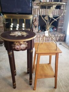 WOODEN AND METAL END TABLE LOT
