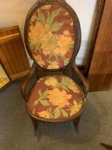 Antique sitting chair
