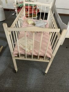 Portable antique crib
