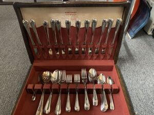 Holmes and Edwards inlaid silverplate silverware set.