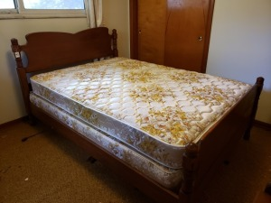 Wood Bed Frame (Full Size)