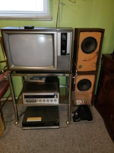 TV/VHS/RECORD_8 Track Stereo With Stand And Speakers
