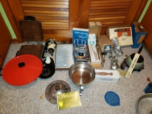 Kitchen Accessories Lot - Wok , Electric Knife, and Corning Ware