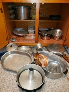 Large Kitchen Lot - Pots And Pans
