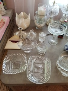 CRYSTAL STYLE GLASSWARE AND LAMP AND CANDLE HOLDER LOT