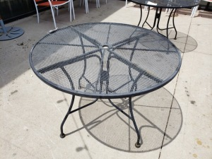 (1) 3.5 FT Round Top Outdoor Table