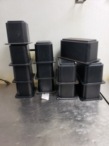 CAMBRO BLACKSTORAGE CONTAINER LOT